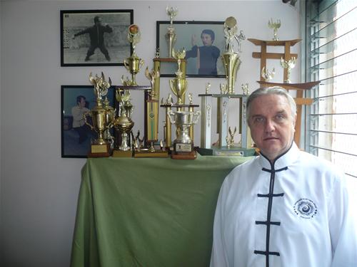 Trofeos de la escuela dirigida por el Sifu José Kutos